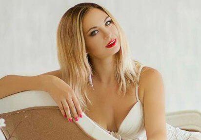 Sexcam und Telefonsex mit geile Nina